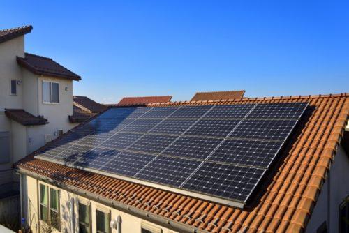 新築の太陽光パネルイメージ